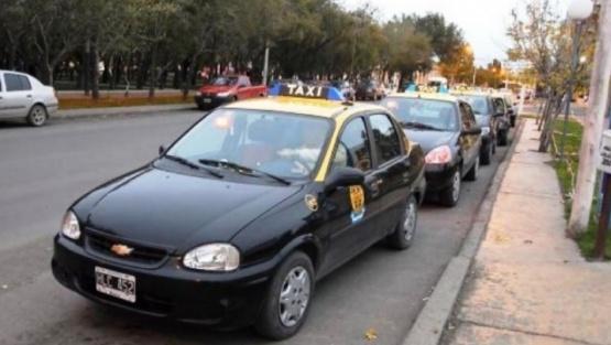 Desde mañana aumenta la tarifa de taxis y remis