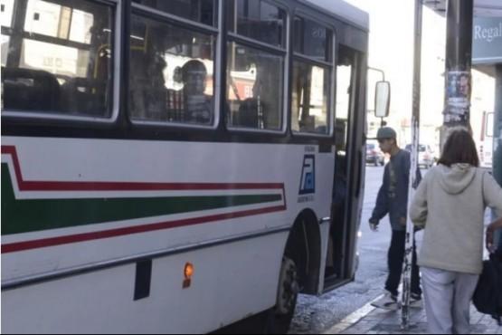 A través de un petitorio buscan que el Gobierno garantice el Transporte Educativo Gratuito