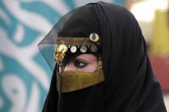 Mujeres de Arabia Saudita podrán salir del país sin permiso de los hombres