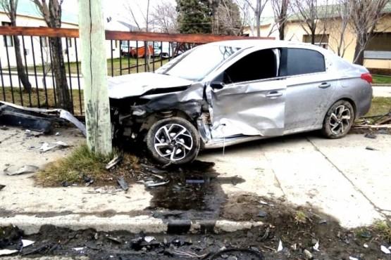 Ambos rodados terminaron con importantes daños materiales en el percance de tránsito ocurrido en la esquina de avenida San Martín y calle Buenos Aires.