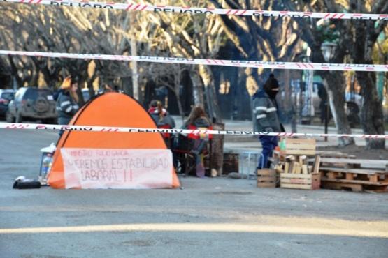 Promotores sanitarios cortaron por varias horas el frente de la Casa de Gobierno