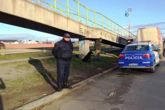 Un hombre habría sido encontrado sin vida debajo de un puente de la Autovía