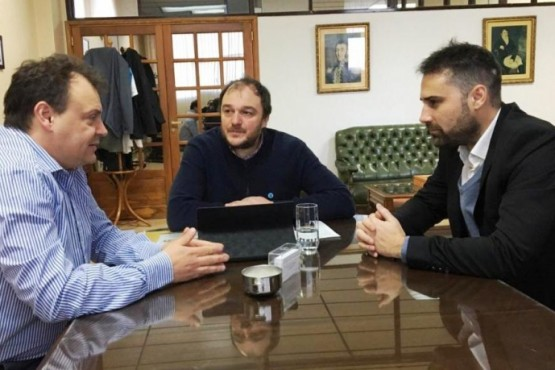 """Cavaco se reunió con autoridades de la Universidad Nacional de la Patagonia """"San Juan Bosco"""""""