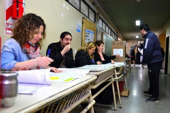 Los colegios afectados a las elecciones no tendrán clases el lunes
