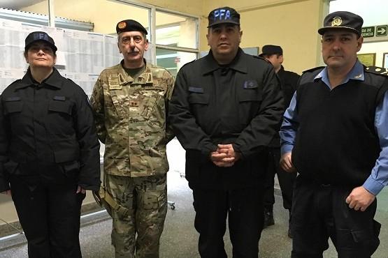 Las fuerzas armadas y de seguridad acompañan las elecciones con 1350 efectivos