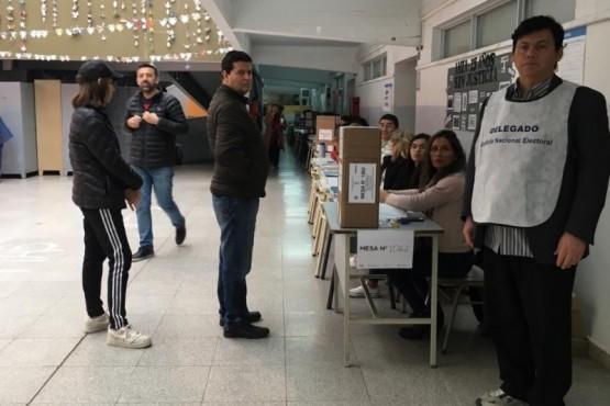 Por primera vez se vota en la Escuela de Arte