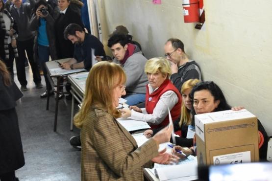"""""""Cuantas más personas vengan a votar, mejor"""""""