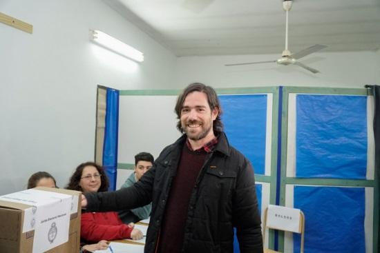 Nicolás del Caño votó en Avellaneda