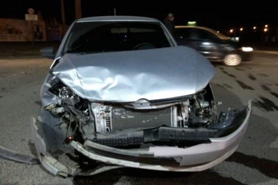 Habría sufrido un ataque de epilepsiay chocó contra un auto estacionado