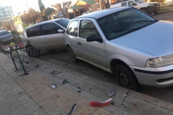 Colisionó con varios autos, una pared y dejó a dos mujeres heridas