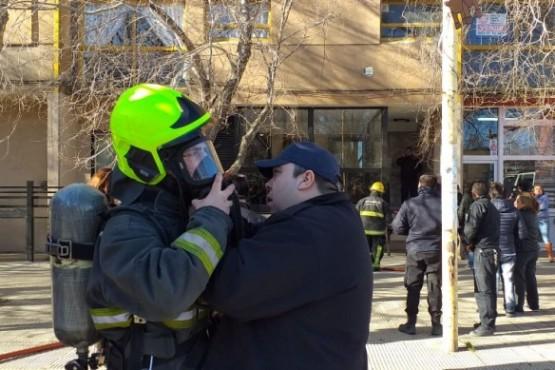 Colchón habría provocado el incendio en un edificio céntrico