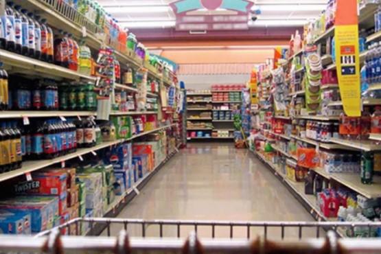 """Supermercados y alimenticias """"están evaluando aumentos de precios"""""""
