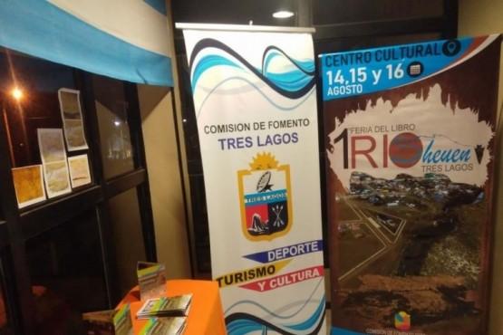 Se realiza la primera Feria del Libro en Tres Lagos