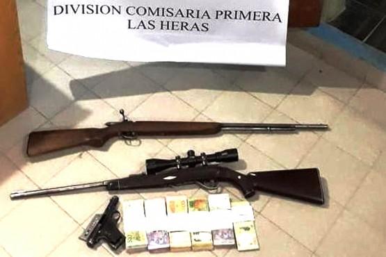 Dos sujetos fueron detenidos con armas y dinero