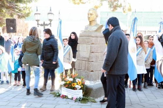 En Calafate se realizó el acto en homenaje a San Martin