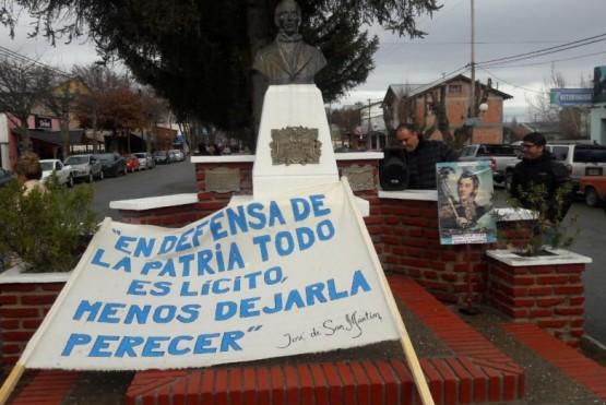 A pesar de que municipio lo suspendió, se realizó el acto en homenaje a San Martín