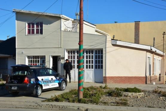 Federal allana dos viviendas tras el hallazgo de marihuana en la terminal