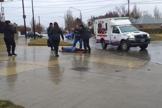 Dos menores debieron ser hospitalizados tras chocar en moto