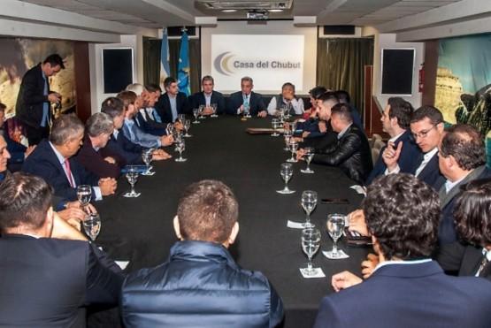 Arcioni se reunió con empresas petroleras que ratifican las inversiones en la Provincia