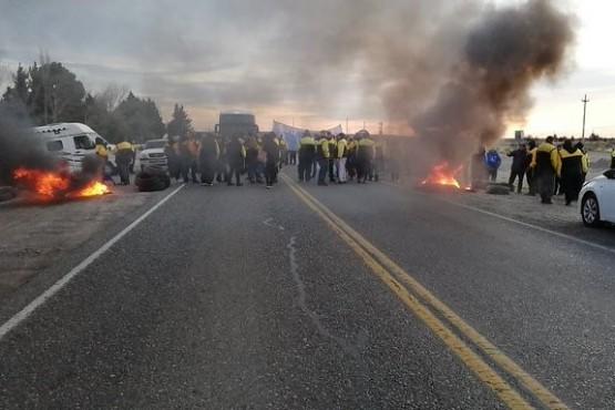 Estatales cortan el tránsito al norte de Trelew