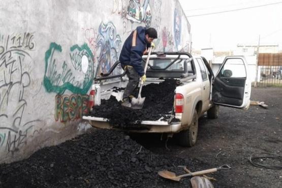 Familias sin gas siguen siendo asistidas con carbón