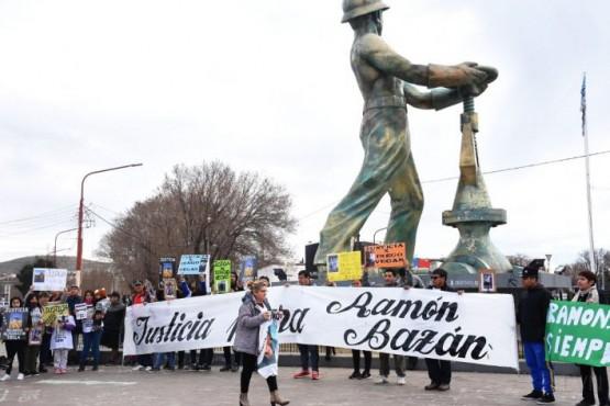Siete familias marcharon pidiendo justicia por homicidios y casos sin esclarecer