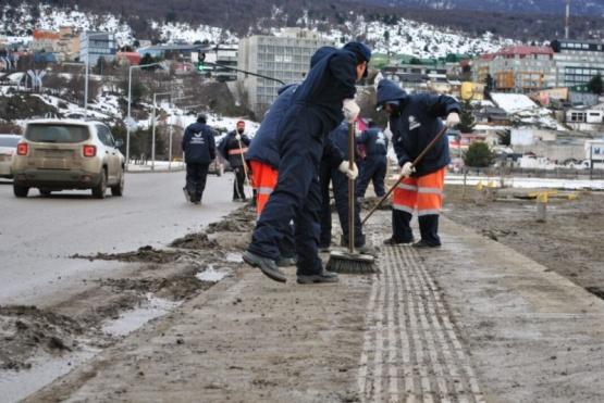 Limpiarán avenida y no se podrá estacionar