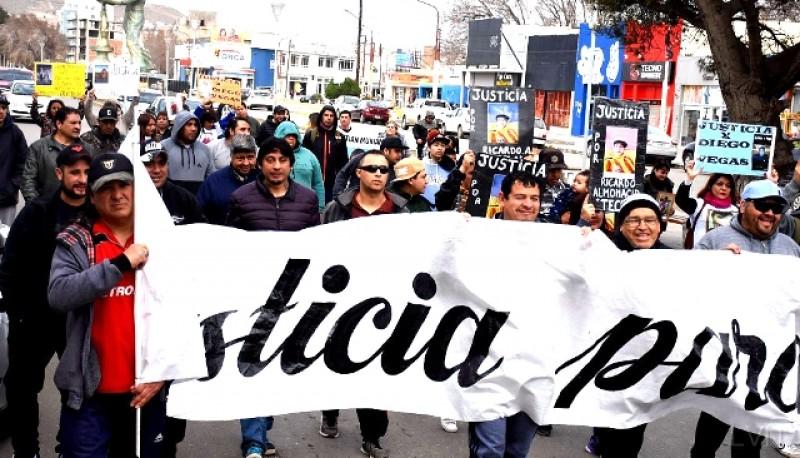 La marcha se desarrolló por el centro de Caleta Olivia.