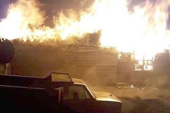 El fuego destruyó una casa