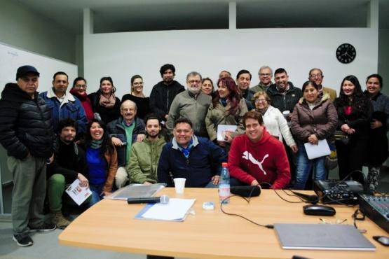 Profesor riogalleguense brindó charla en Santiago de Chile