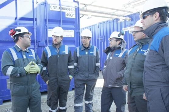 YPF presentó al Instituto de Energía el proyecto de producción por recuperación terciaria