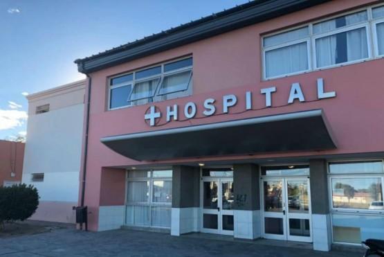 El Hospital cierra las puertas al público para evitar la