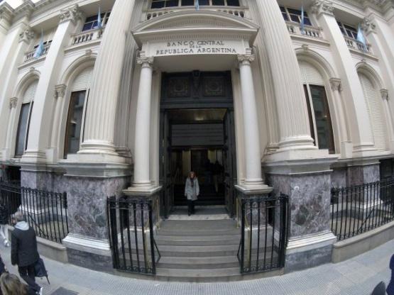 El BCRA le pone control a los bancos para el giro de sus ganancias
