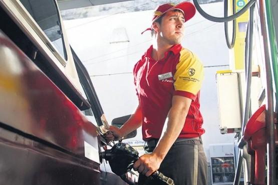 El Gobierno flexibilizó el congelamiento de las naftas
