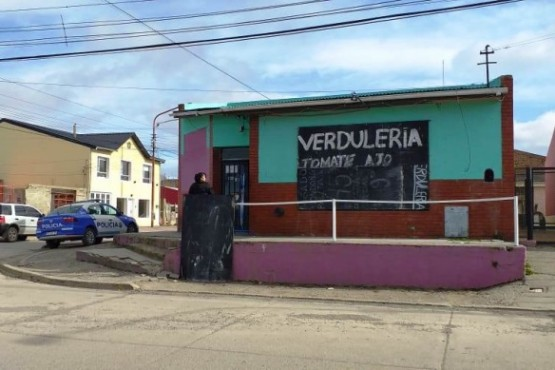 La fachada del negocio donde el hombre tomó la trágica decisión (Foto: C.Robledo)