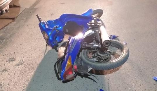 El conductor de la moto tuvo que ser llevado al Hospital.