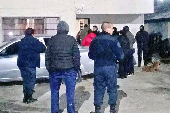 Los policías continúan investigando lo que sucedió con Fernández. (Foto: Diario Más Prensa)