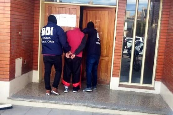 El sujeto detenido quedó a disposición de la justicia.