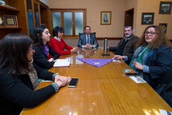 El intendente Maderna se reunió con los padres de Micaela.