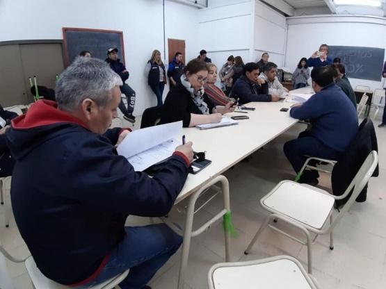 La reunión se realizó en el Concejo Deliberante.