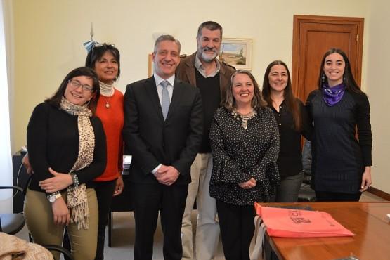 El gobernador Mariano Arcioni recibió en Casa de Gobierno, a Andrea Lescano y Néstor García, padres de Micaela García.