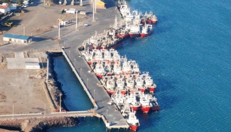 El puerto se ubica sobre la margen norte de la desembocadura del río Deseado. (Archivo).