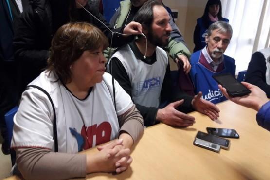 Conferencia de la Mesa de Unidad Sindical tras el ataque de petroleros a docentes(Foto: Radio del Mar)