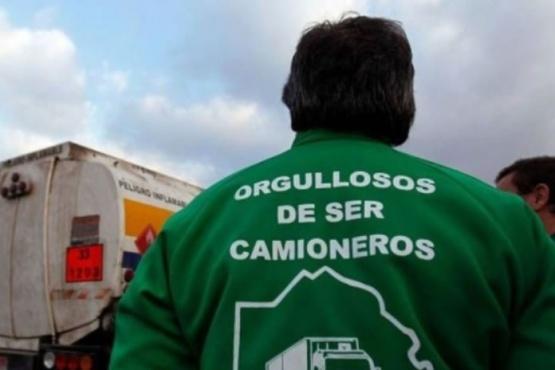 Camioneros van al paro en apoyo a los docentes