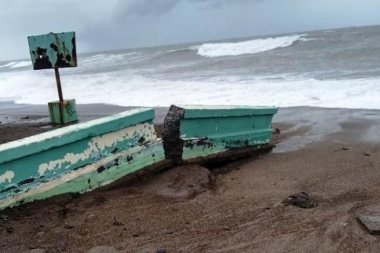 El municipio se encuentra realizando tareas tras la marejada en Rawson.
