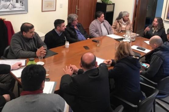 Saunders reunida con los intendentes y jefes comunales por el Plan Calor.