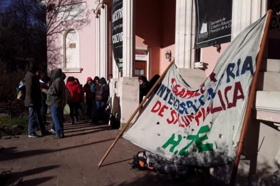Se manifestaron empleados de Salud en Esquel