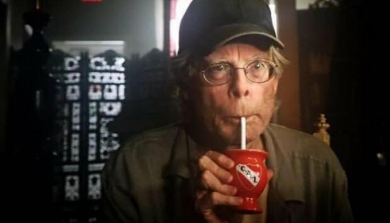 Stephen King con el mate del Rojo.