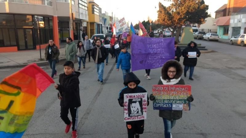 Movilizaron a las 18 desde Kirchner y San Martín.