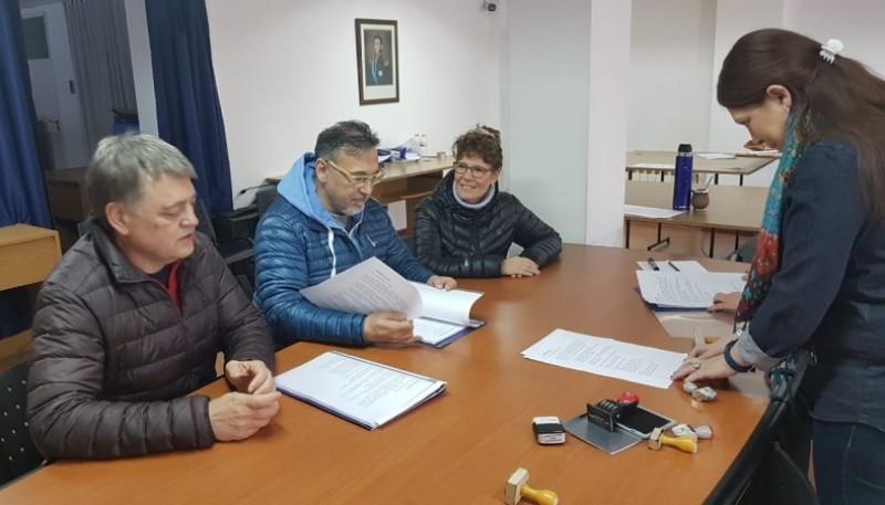 Encuentro Ciudadano en la Junta Electoral.